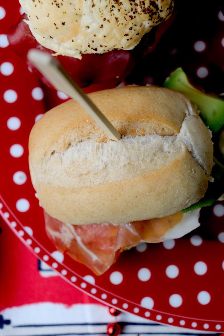 ricetta-paninetti-con-avocado-e-prosciutto-crudo