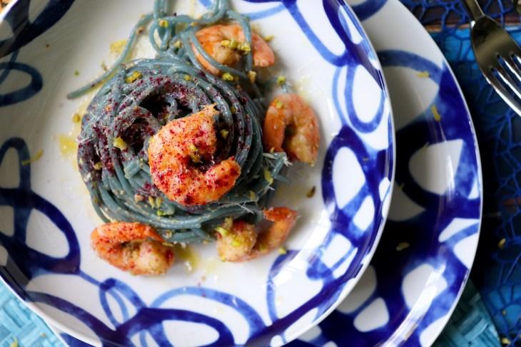 ricetta-spaghetti-alla-spirulina-e-gamberi