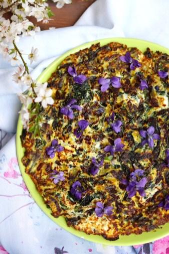 ricetta-frittata-viole-e-aglio-orsino