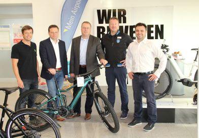 """Trendthema Dienstrad – """"Bikeleasing"""" radelt mit überzeugendem Konzept jetzt auch am Kassel Airport voraus"""