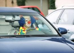 Clown-im-Auto_