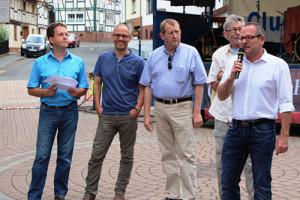 Was bedeutet Ehrenamt? Bürgermeister Thomas Petrich im Gespräch mit Jörg Schnitzerling (CDU), Günter Rudolph (SPD), Lothar Gier (Die Grünen) und Armin Wicke (Foto: pm|nh)