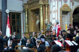 Concert in San Jose de Qhiquitos with Arakaendar Choir and Orchestra