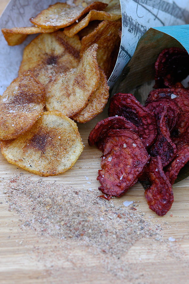 Potato and beet chips with Cajun spice
