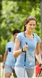 La marche nordique est un sport complet, bénéfique pour la santé