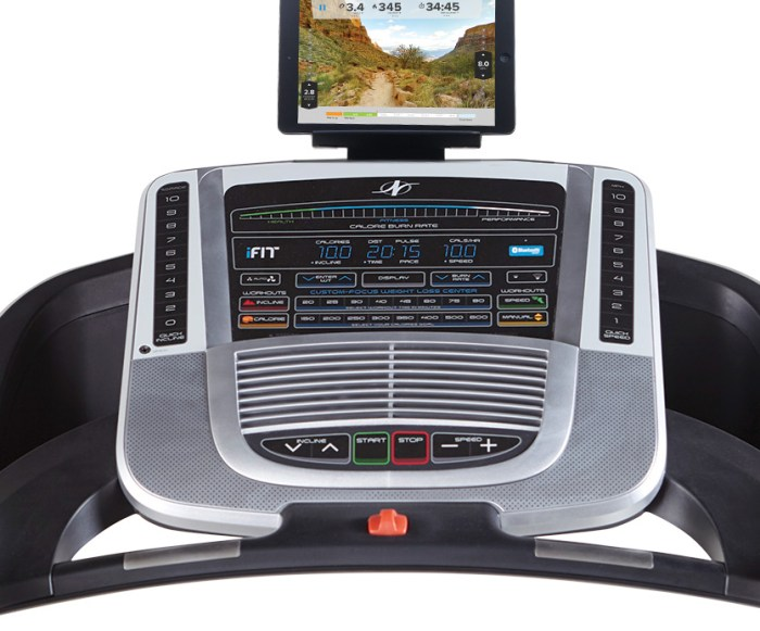 nordictrack c700 treadmill review - console