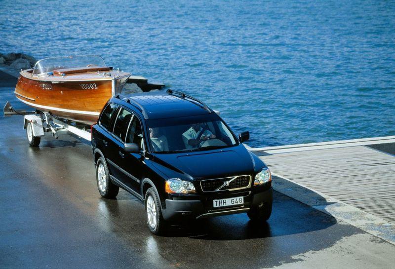 Volvo XC90 mit Trailer