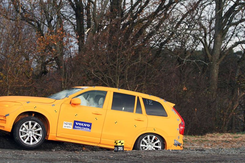 Volvo XC90 Crashtest, Run off Road Protection. Bild Volvo.