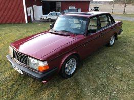 Volvo 240 Turbo. Auktion bei Trader. Bild: Tradera