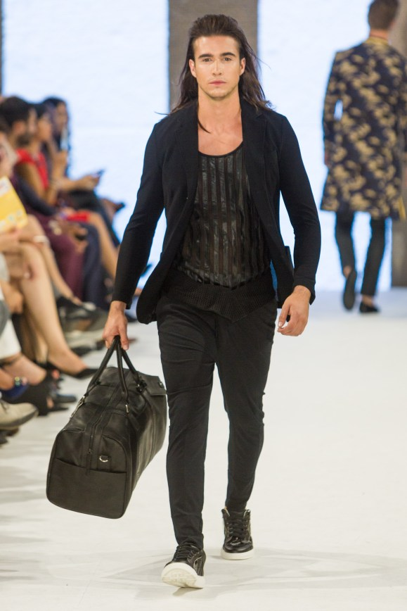 shayne-gray-TOM-aug-20-runway-Dalla-1118