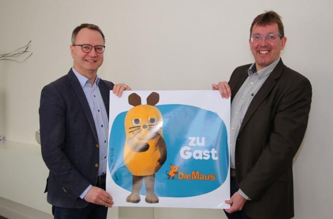 Maritimes Stadtfest mit der Maus und den Mannen von Extrabreit - Bürgermeister Honnigfort und Dieter Pohlmann freuen sich auf die Maus. Foto: Stadt Haren
