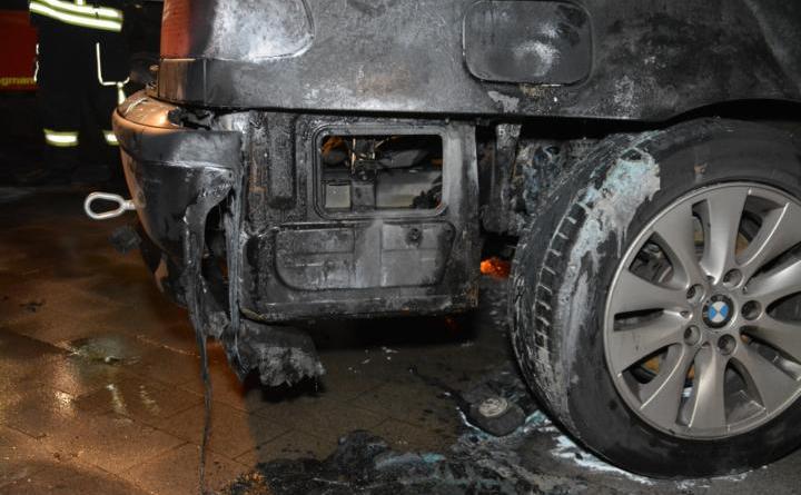 Groß Hesepe 3er BMW geriet während der Fahrt in Brand Foto: NordNews.de