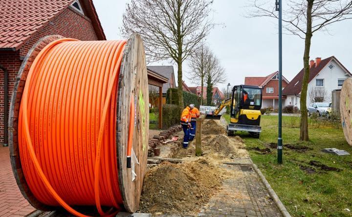 Bauarbeiten für Glasfaserhausanschlüsse in Esterfeld starten - Über 8.500 Haushalte in Meppen können vom FTTH-Ausbau profitieren