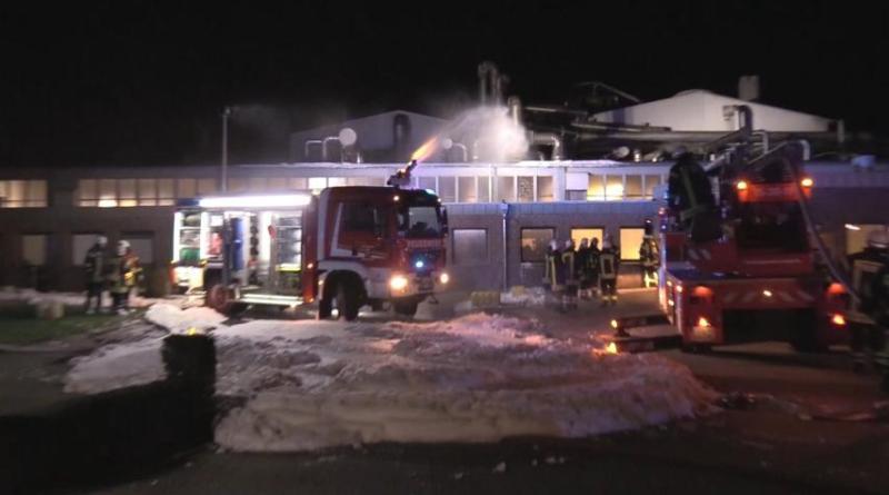 Sögel AKTUELL - Brand in einer fettverarbeitenden Firma in der Industriestraße Foto: NordNews.de Übersicht1