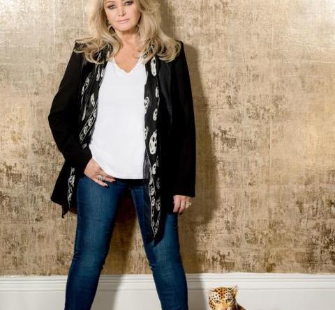 """""""Holding Out For A Hero"""" in Meppen: Bonnie Tyler bei der NDR Niedersachsen Sommertour - Foto: Eramusic"""