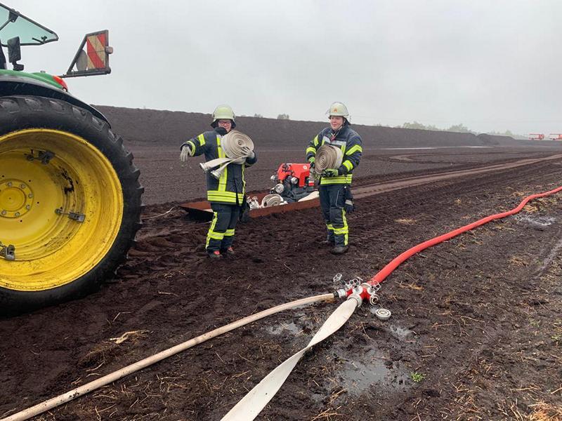 Brandbekämpfung im Regen, Foto: Lambert Brand