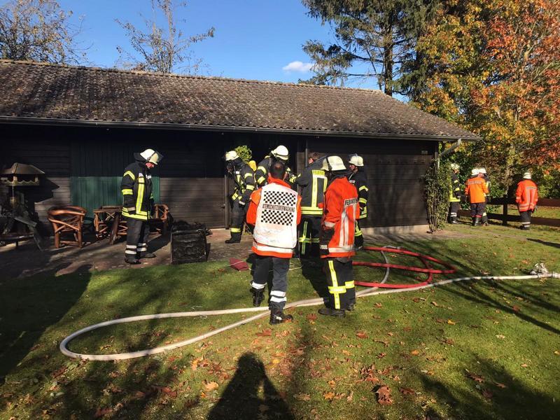 Schwelbrand in Jagdhütte sorgt für Einsatz der Feuerwehren Dersum und Heede - Foto: Samtgemeinde Dörpen / Feuerwehr
