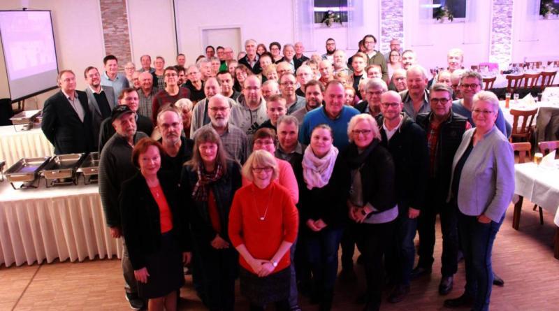 Rund 100 Ehrenamtliche waren im November in der Gaststätte Schulte-Lind zu Gast. Die Stadt Papenburg bedankte sich bei den freiwilligen Helfern für das erfolgreiche Angebot des Ferienpasses 2019. Foto: Karin Evering, Stadt Papenburg