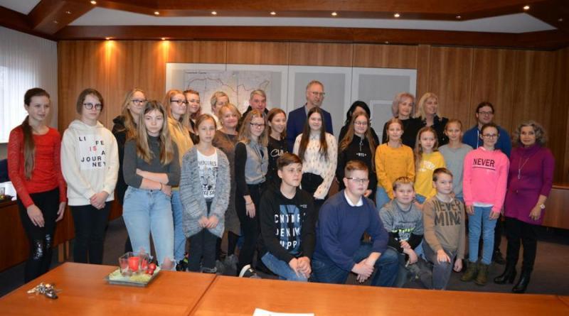 Lettischer Schulchor zu Besuch im Rathaus Geeste - Foto: NordNews.de
