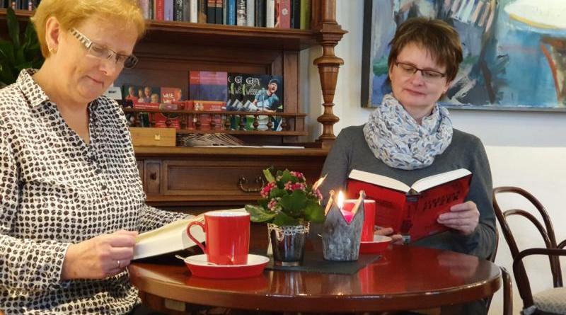 """Im Café des Professorenhauses lädt die Lingener Stadtbibliothek am 6. Februar zur ersten """"Silent Reading Party"""" ein. Foto: Stadt Lingen"""