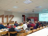Stadtbrandmeister Norbert Konen zeigte anhand einer Präsentation das Einsatzjahr 2019. Foto: Jens Menke, Feuerwehr Meppen