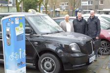 Nordhorner Taxiunternehmen setzt auf E-Mobilität - Bürgermeister und Wirtschaftsförderer gratulierten zur Unternehmensgründung - Foto: Stadt Nordhorn