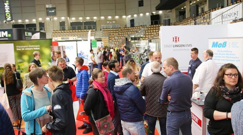 So präsentierte sich die Jobmesse im vergangenen Jahr in der EmslandArena. Foto: Stadt Lingen