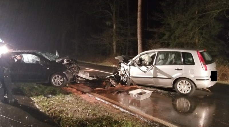 Schwerer Verkehrsunfall zwischen Thuine und Baccum - Foto: NordNews.de