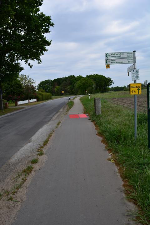"""Auf Höhe Rull bis zur Meppener Straße wird der Radweg an der Straße """"Neuer Diek"""" saniert. Foto: Gemeinde Geeste"""