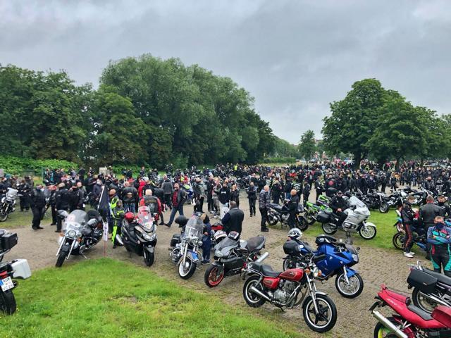5.000 Motorradfahrer zog es zur Motorrad- Demo nach Papenburg - Foto: Annette Roling