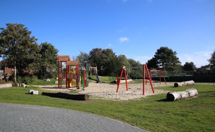Das neu angelegte Spieleparadies für die Kinder der Maximilian Grund- und Oberschule in Rütenbrock. Foto: Stadt Haren (Ems)