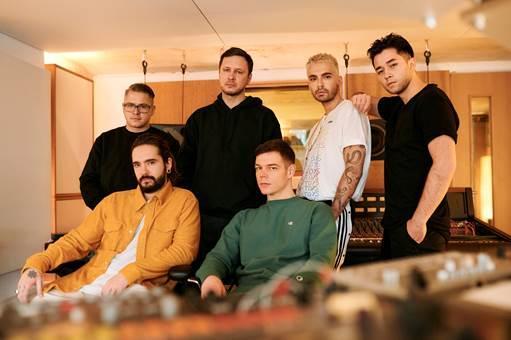 """Vize und Tokio Hotel veröffentlichen gemeinsame Single und Titelmelodie von GNTM - """"White Lies"""" - Foto: Christoph Köstlin"""