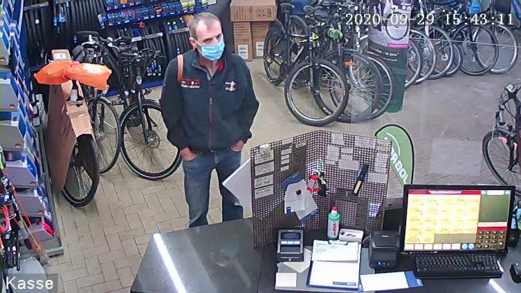 Nordhorn - Öffentlichkeitsfahndung nach Diebstahl aus Fahrradgeschäft - Foto: Polizei