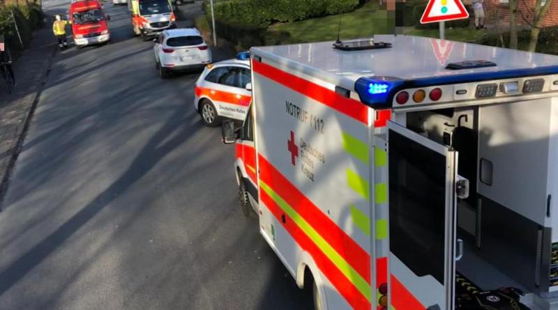 Gaffer in Bad Bentheim - ein Feuerwehrmann macht sich Luft - Foto: Marcel Teichert