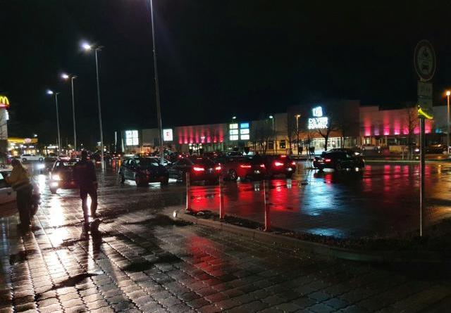 Papenburg - 100 Mitglieder der Tuning Szene treffen sich - erneut 29 Anzeigen gegen Autotuner - Foto: Polizei