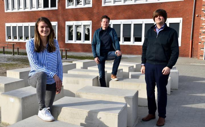 Quo Vadis Grundschüler? Corinna Nehe, Dietmar Nee und Ragnar Wilke vom JUZ wollen Schülern und Eltern Orientierung geben. Foto: Stadt Papenburg