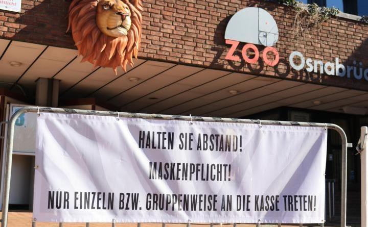 2.000 Besucher dürfen ab Montag täglich in den Zoo. Vor dem Besuch ist eine Anmeldung auf der Homepage des Zoos erforderlich. Zum Schutz vor Corona gilt auf dem ganzen Gelände sowie im Eingangsbereich eine Maskenpflicht und die Tierhäuser bleiben vorerst geschlossen. Foto: Zoo Osnabrück (Lisa Simon)