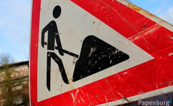 Asphaltarbeiten in der Poststraße in Aschendorf - Foto: Stadt Papenburg - Bauarbeiten