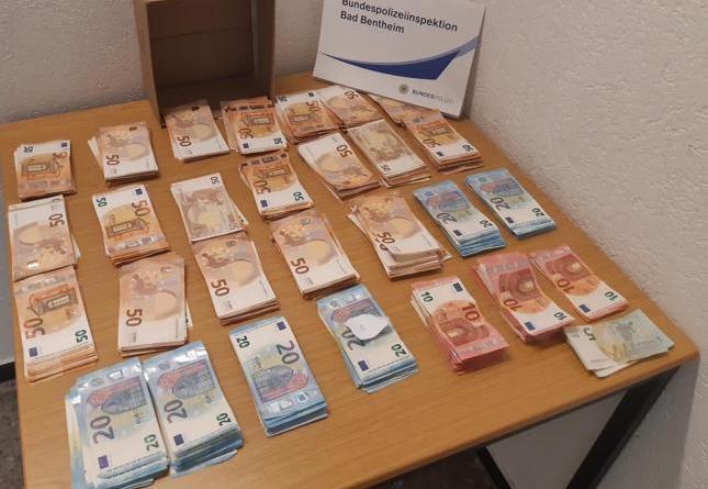 Bad Bentheim: Bargeldschmuggel: Bundespolizei entdeckt rund 21.500 Euro - Foto: Polizei