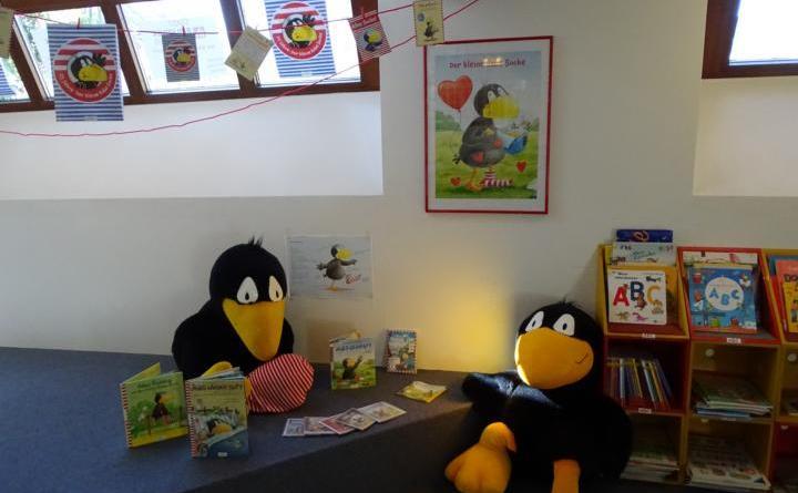 Aktion in der Stadtbibliothek: Rabe Socke feiert Geburtstag - Foto: Stadt Lingen