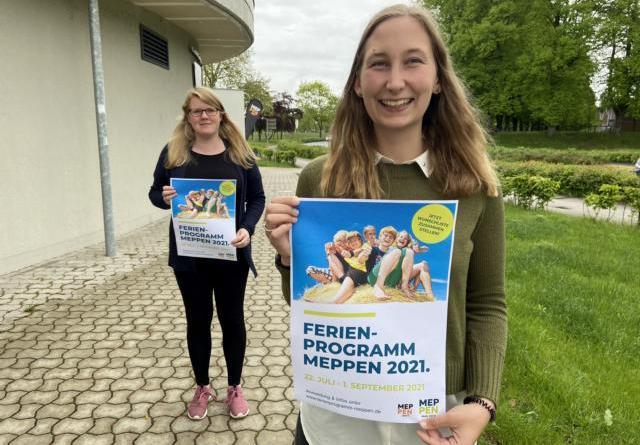 (v. l.) Lisa Schulte und Sandra Thien vom JAM freuen sich auf das tolle Sommerferienprogramm 2021. Foto: Stadt Papenburg
