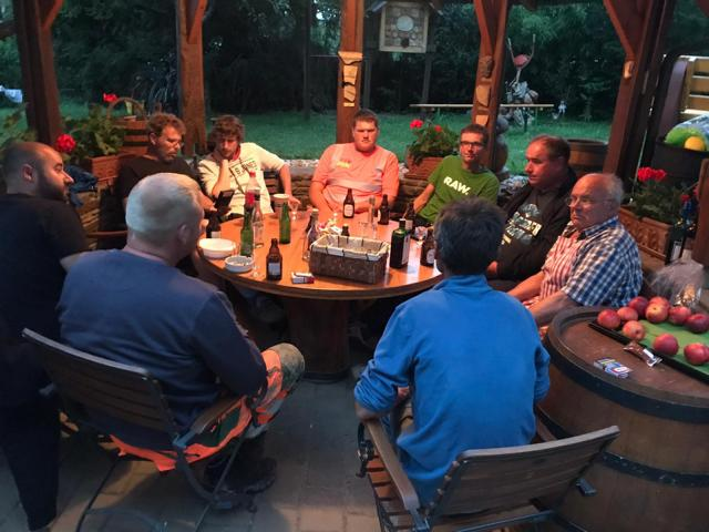 Am Ende eines kräftezehrenden Tages wurden sie regelmäßig vom 81-jährigen Ernst Füllmann eingeladen. Foto: Stadt Meppen