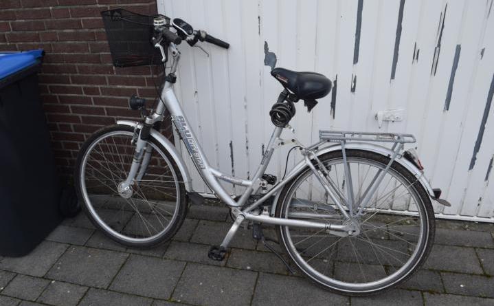 Lingen - Mountainbike entwendet und Damenrad der Marke Alu-City-Star, Typ Comfort zurück gelassen - Foto: Polizei
