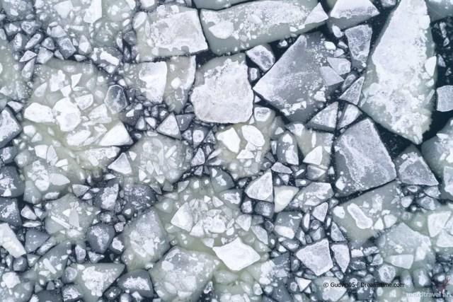 Арктические льды. Вид сверху
