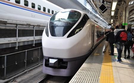 品川駅、特急ひたち/ときわの停車位置|エスカレーターやエレベーターに近いのは何号車?