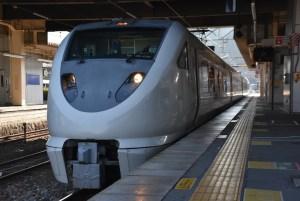 大阪駅の特急「スーパーはくと」乗り場は何番線ホーム?