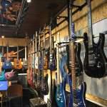 G-Life ショールーム ギターたくさん!