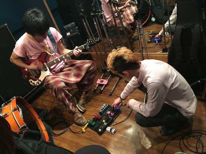 D.A-Boosterを一番後ろに繋いで 【超絶!動画あり】 ギタリスト 芳賀義彦(ヨティ)さんのギター&エフェクター紹介!大谷大さんと一緒にスタジオに入って遊んできました!