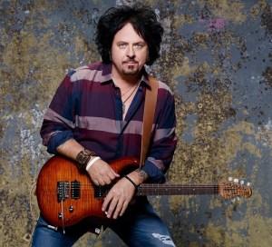 【本人使用写真】Steve Lukather(スティーヴ・ルカサー)のエフェクターボード・機材を解析!ツマミ・ノブの位置も分かる!ギターを支える機材の数々を紹介!【金額一覧】