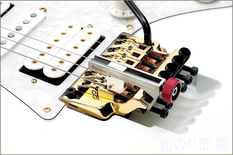"Ibanez アイバニーズ ""E-JACK"" EJK1000 イントネーション・アジャスト・ツール でオクターブ調整が簡単に! 【超簡単】フロイドローズのオクターブ調整が面倒な人にオススメの方法!ロック式トレモロFLOYD ROSE、Ibanez EDGE系GOTOHなどほとんどのブリッジに使えます。固定も楽で便利。"